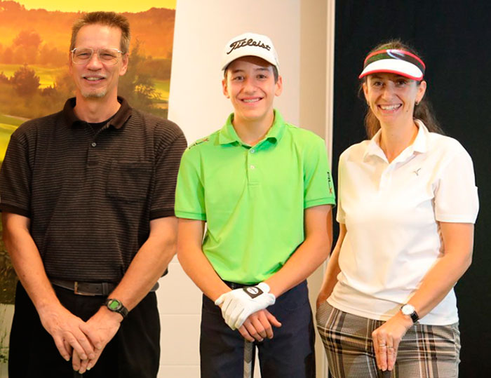 indoor-golf-team.jpg